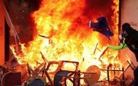 Biểu tình 'áo vàng' biến thành bạo động ở Paris, hơn 200 người bị bắt