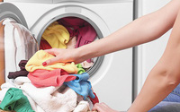 Áp dụng 6 mẹo sau, dù trời nồm ẩm đến đâu thì quần áo vẫn nhanh khô và thơm tho như thường