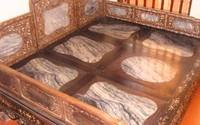 Chiếc sập cổ 300 năm giá 2 triệu USD đại gia Việt vẫn sẵn sàng mua