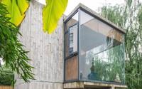 Căn nhà 2 tầng thô mộc theo phong cách Nhật Bản với lớp tường kính kết nối thiên nhiên, ẩn chứa vạn điều bất ngờ khiến nhiều người thích thú