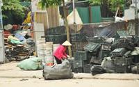 Nhiều mối nguy khó lường từ những kho tập kết phế thải nhựa khổng lồ ở làng Triều Khúc