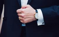 Giải mã tâm lý thích khoe đồng hồ xa xỉ của người có tiền