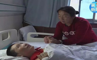 Con trai và con dâu nhiễm độc nguy kịch, bố mẹ quyết định chỉ cứu một người