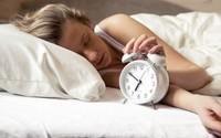 Giật mình khi chuyên gia cảnh báo tác hại khi ngủ nhiều, nằm nhiều trong ngày nghỉ lễ