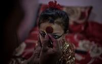 Tò mò sự thật cuộc đời các 'nữ thần sống' ở Nepal sau khi hồi tục