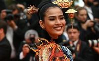 """Khác hẳn với hình ảnh """"tức mắt"""" của Ngọc Trinh, Á hậu Trương Thị May kín đáo mà vẫn nổi bật tại LHP Cannes"""