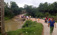 2 thanh niên gặp nạn lao xuống suối, người còn sống quên bạn chết đi bộ về nhà