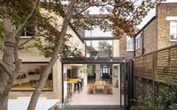Không cần đập đi xây lại, ngôi nhà đã thay đổi ngoạn mục chỉ nhờ ý tưởng thông minh với kính