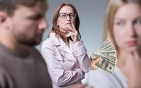Chồng buộc tội tôi ăn trộm tiền của mẹ anh
