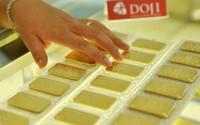Căng thẳng leo thang, vàng tăng mạnh nhưng giới đầu tư ồ ạt mua vàng