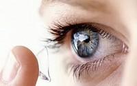 Từ vụ nam thanh niên bị mù mắt do kính áp tròng: Những ai không được dùng loại kính này?