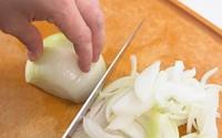 Cách dùng dao chuyên nghiệp mà đầu bếp chỉ mách nhỏ trong lớp dạy nấu ăn