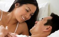Làm sao để các ông chồng đến tuổi mãn dục vẫn luôn 'nghiện vợ'?