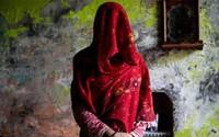Phụ nữ Ấn Độ phải chịu cảnh 'ăn nằm' với anh em của chồng, đẻ con không biết ai là bố đứa trẻ bởi chế độ đa phu cổ hủ