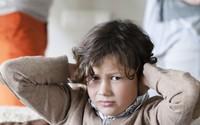 """Những hệ lụy khi con """"tắm mình"""" trong xung đột của cha mẹ"""