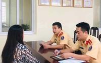 CSGT Hà Nội phạt tiền, tước bằng lái của người cản trở đoàn xe ưu tiên