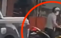 Người đàn ông kể phút lái ôtô đâm thẳng vào tên cướp tiệm vàng