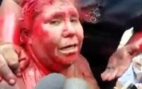 Nữ thị trưởng bị hạ nhục trên đường phố