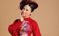 Ca sĩ tỷ phú Hà Phương phối áo dài với mũ quý tộc