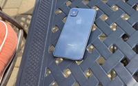 """Lộ ảnh thật iPhone thế hệ mới với cụm 4 camera, không còn """"tai thỏ"""""""