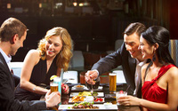 """Những sai lầm khiến bạn trở nên """"quê kiểng"""" hết mức khi đi ăn nhà hàng"""