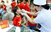 Ngày 1-2/6, các bà mẹ đưa con trong độ tuổi đi uống vitamin A miễn phí tại các điểm xã, phường