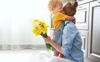 Vết thương tâm lý khó lường khi trẻ chứng kiến bố mẹ 'hành sự'