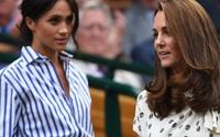"""Lộ chuyện Meghan Markle bị Nữ hoàng Anh và Công nương Kate """"bắt tay"""" kiểm soát?"""