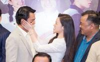 """""""Vua bánh mì"""" chính thức ra mắt: Nhật Kim Anh - Cao Minh Đạt tình tứ, âu yếm nhau"""