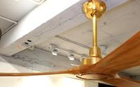 Cận cảnh quạt trần cao cấp mạ vàng 24K có giá gần 40 triệu đồng