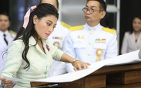 """Hai nàng công chúa Thái Lan xuất hiện trong sự kiện mới: Người xinh đẹp bất ngờ, người """"dìm"""" mình không thương tiếc"""