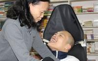 Người mẹ 36 năm nuôi con thành 'thủ lĩnh'