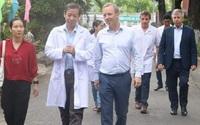 Đại sứ Anh đến cảm ơn bệnh viện