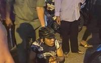 Giật iPhone 11 Promax của cô gái, 2 kẻ cướp bị bắt sau va chạm xe máy ở Sài Gòn