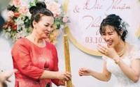 Mẹ chồng trao cho con gái cây chổi ngay trên sân khấu hôn lễ, tiết lộ của chú rể khiến ai cũng bật cười