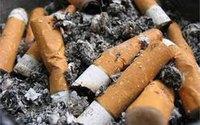 Bé 5 tuổi quặn bụng, miệng cứng đơ vì tàn thuốc lá