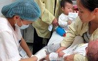 Người lớn chưa mắc sởi nên đi tiêm vaccine