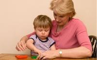 Chăm sóc cháu giúp bà giảm nguy cơ mắc bệnh mất trí nhớ ở người già