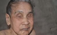 Cuộc sống cùng cực của cụ bà 82 tuổi mù hai mắt, nằm liệt giường
