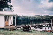 Ngôi nhà bình yên bên bờ sông khiến người thành phố ước ao