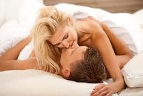 """Phụ nữ làm điều này lúc nào chàng cũng khao khát """"yêu"""" như lần đầu"""