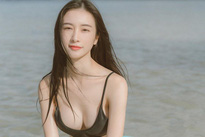 Jun Vũ diện bikini khoe vòng một dao kéo gợi cảm trên biển