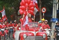 'Xế khủng' diễu hành mừng Hải Phòng trụ hạng