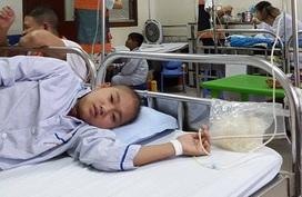 Vòng tay Nhân ái (MS 155): Mồ côi cha, bé mắc bệnh máu không tiền phẫu thuật cắt lách