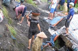 Người đàn bà mót than và ngôi nhà bị lũ quét sạch ở Quảng Ninh