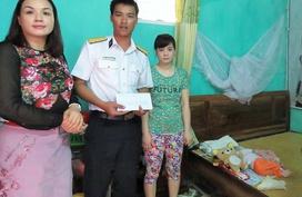 Vòng tay Nhân ái: Độc giả đã thắp hy vọng cho hai bé Quốc Tuấn và Vũ Thị Lan