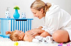 Mẹ có biết 5 sai lầm khi tắm khiến trẻ gặp họa?