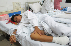 Xót xa người phụ nữ trụ cột của gia đình nghèo phải cắt bỏ bàn chân hoại tử