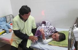 Nghẹn lòng tâm sự của người cha có con gái bị bỏng toàn thân do nướng mực