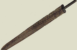 Nông dân Trung Quốc sửng sốt khi biết con dao ông dùng làm bếp lâu nay lại là 1 thanh kiếm cổ 3000 năm tuổi